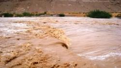 حضوموت.. وفاة فتاة ونجاة عائلتها من سيول الأمطار في ساه