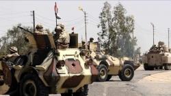 الدولة الإسلامية تعلن مسؤوليتها عن هجوم على عسكريين مصريين بسيناء