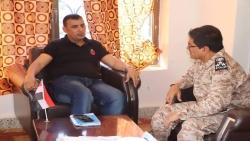محافظ سقطرى يلتقي قائد اللواء الأول مشاه بحري ويطلع علي سير العمل في موقع اللواء الجديد