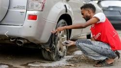 مهاجرون ولاجئون أفارقة يواجهون المصاعب بعد أن علقوا في حرب اليمن