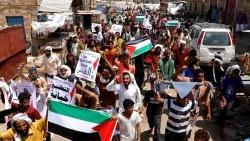 أبين : مظاهرات حاشدة تندد بالتطبيع وإنشاء قواعد إسرائيلية في سقطرى