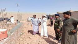 وكيل محافظة المهرة بدر كلشات يتفقد سير الأعمال الجارية في مبنى بيت الشباب