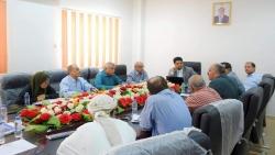 وزارة الكهرباء تحمل لجنة تصريف الطاقة في عدن المسؤولية وتناقش استعدادات الكهرباء للصيف القادم